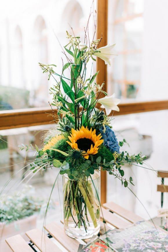 Vysoká kytice pro muže (Květinářství GALERIE Brno)