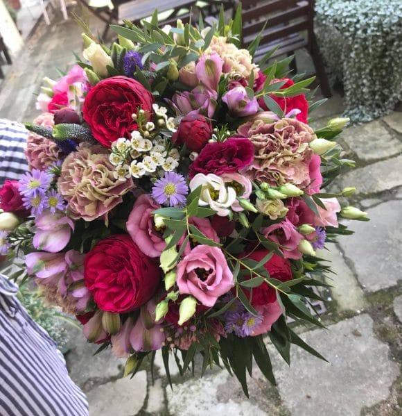 Příklad větší vázané kytice z naší tvorby