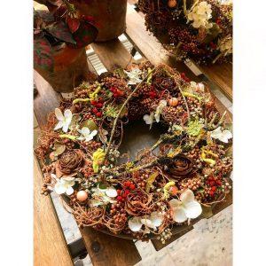 Ručně zdobené podzimní věnce - Květinářství GALERIE Brno