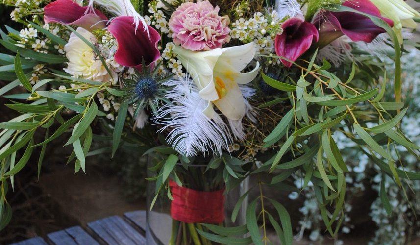Bohatě vázaná kytice z naší tvorby