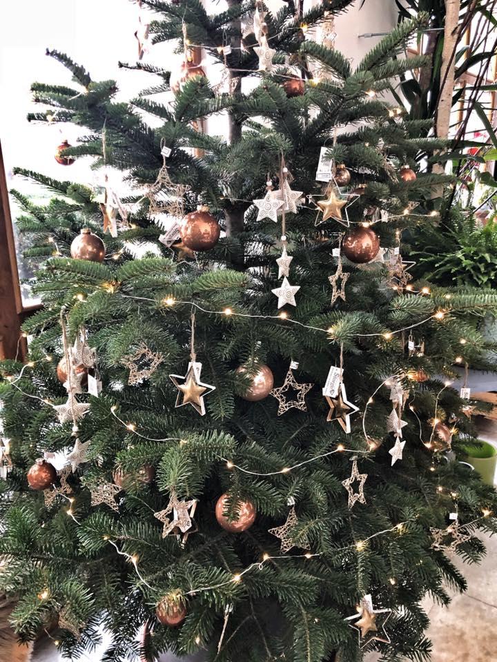 Detail vánoční stromeček 2018 - Květinářství GALERIE Brno