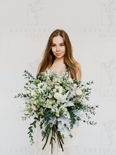 Kytice z květin v bílých odstínech - dovoz/rozvoz Brno