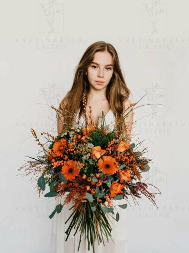 Kytice z květin v oranžových odstínech - dovoz/rozvoz Brno
