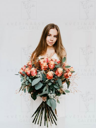 Kytice žíhaných růží - doručování Brno