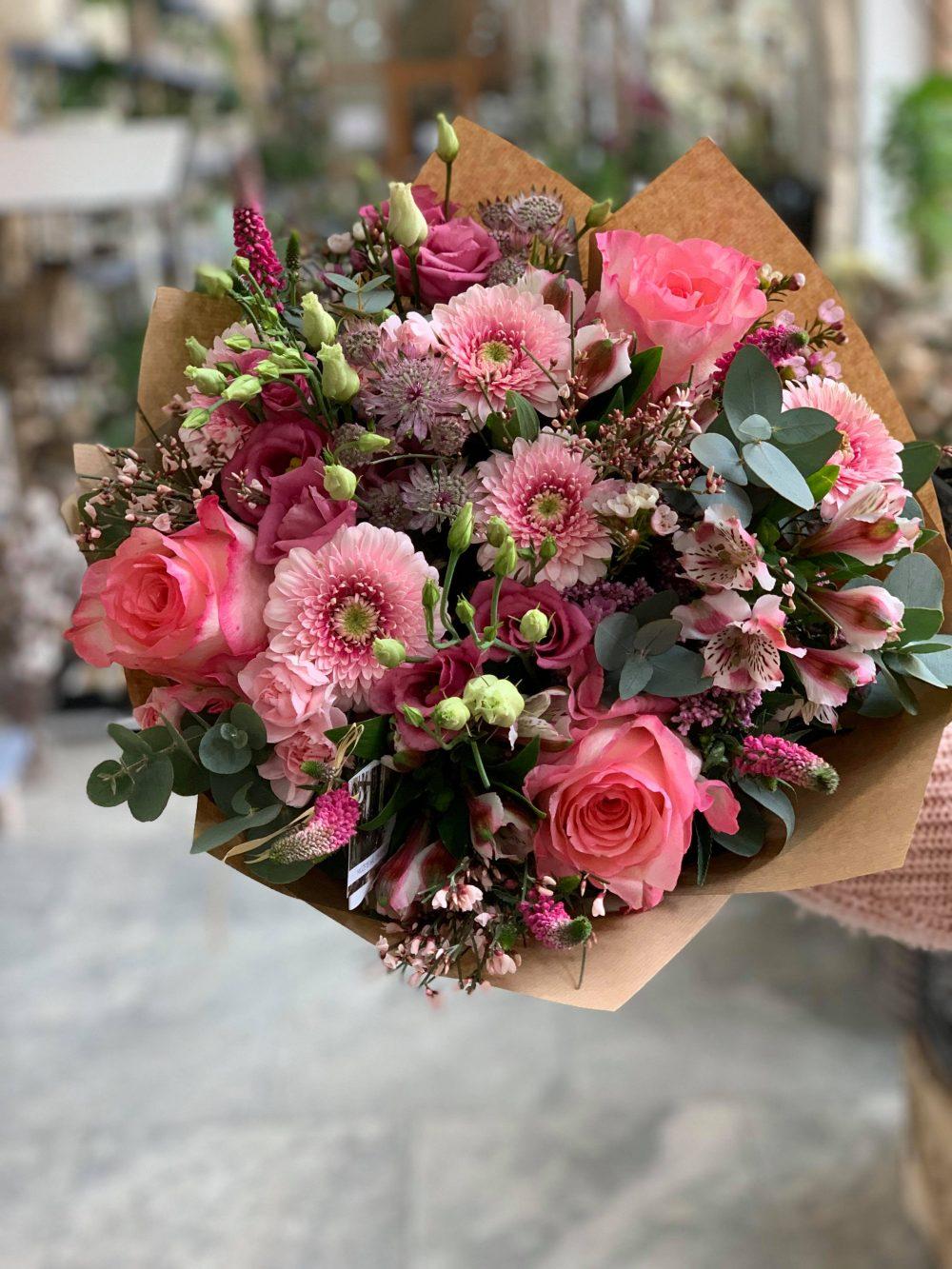 Růžová kytice na rozvoz