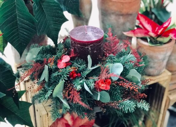 Sváteční vánoční svícny z Květinářství Galerie Brno