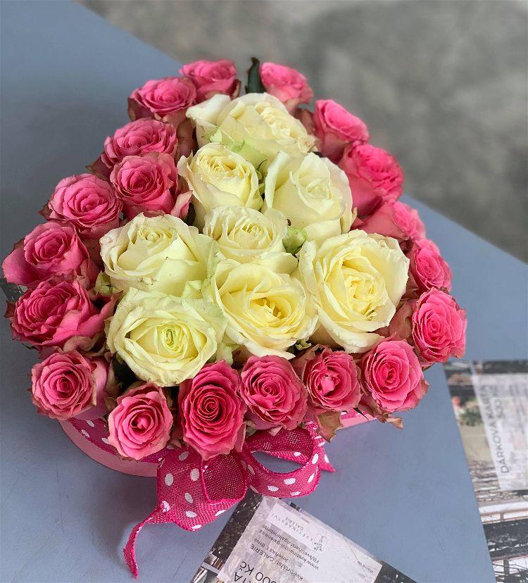 Flowerbox srdce dvoubarevný z růží